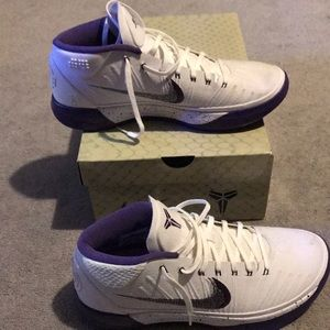 men's kobe's size 10.5 (US)